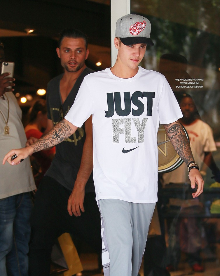 51783482 Pop star Justin Bieber is seen leaving Niketown in Beverly Hills, California after enjoying some sneaker shopping on June 26, 2015. Justin, who was rocking all Nike gear, can't seem to get enough of the brand and has been shopping at the store a lot lately.  FameFlynet, Inc - Beverly Hills, CA, USA - +1 (818) 307-4813