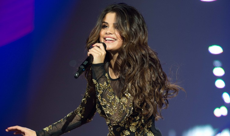 Selena Gomez makes her comeback in McAllen Texas following her reported stint in rehab