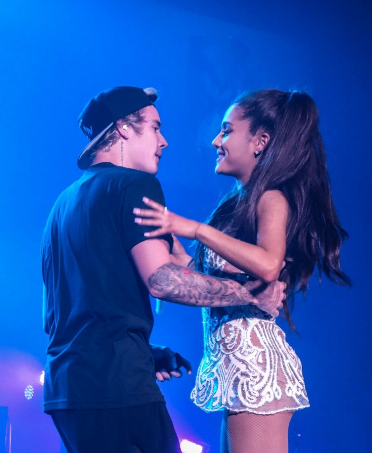 ariana-grande-and-justin-bieber-performs-at-honeymoon-tour-in-miami_1