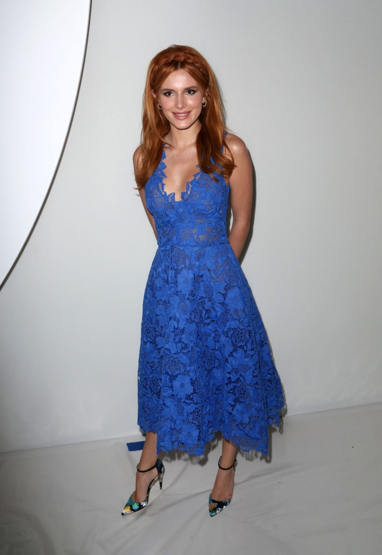 bella-thorne-at-monique-lhuillier-fashion-shoe-at-nyfw-09-12-2015_2