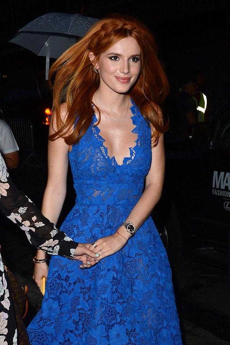 bella-thorne-at-monique-lhuillier-fashion-shoe-at-nyfw-09-12-2015_23