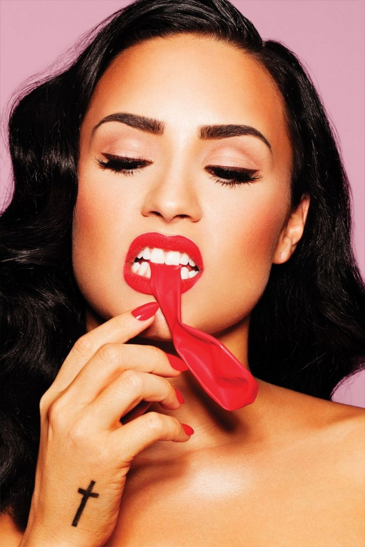 demi-lovato-in-complex-magazine-september-2015-issue_4
