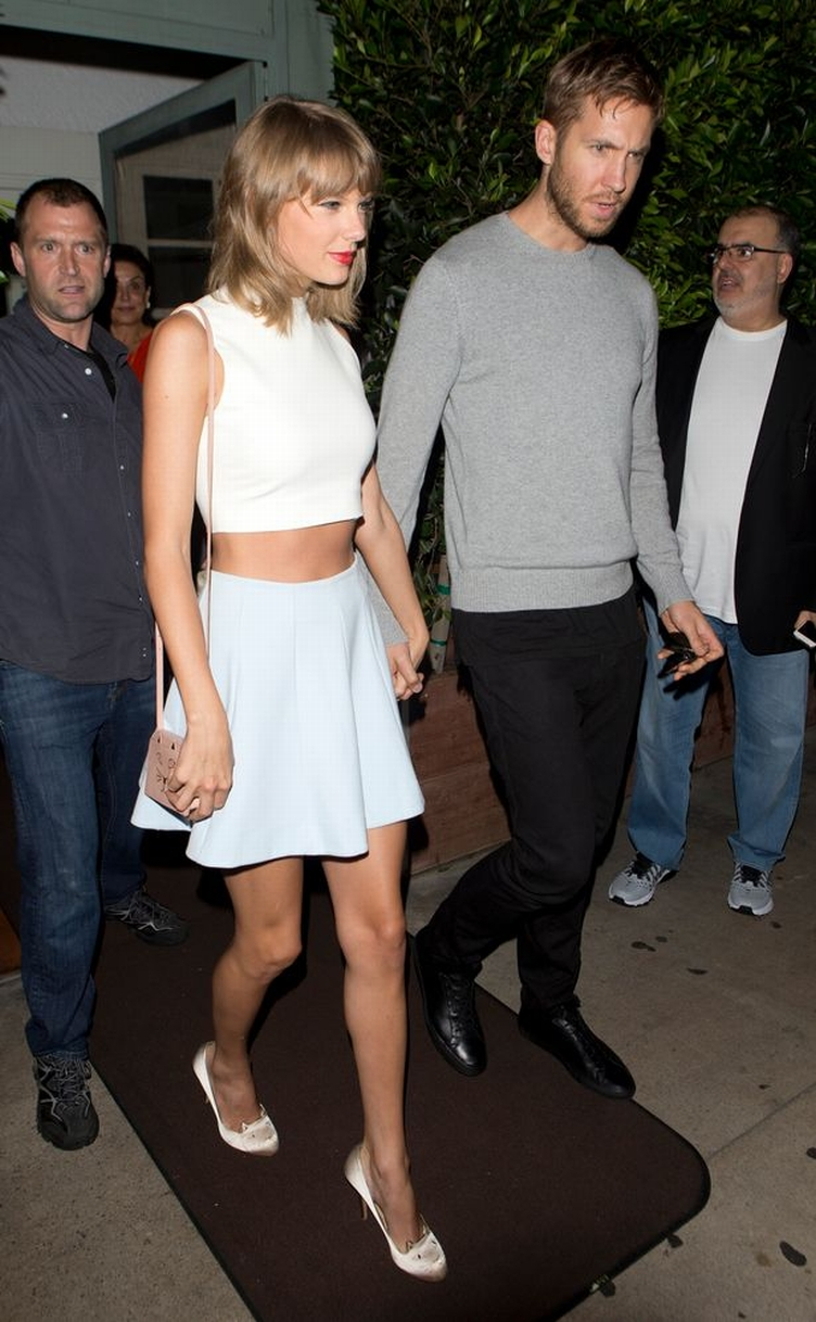 Taylor-Swift-and-DJ-Boyfriend-Calvin-Harris-were-all-smiles-as-they-left-their-romantic-dinner-at-Giorgio-Baldi-Italian