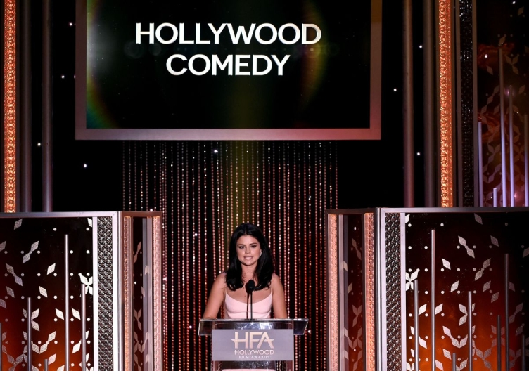 selena-gomez-at-2015-hollywood-film-awards-in-beverly-hills-11-01-2015_5