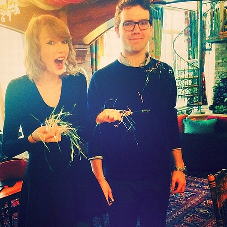taylor-swift-confetti-bombed-her-brother