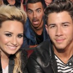 Nick Jonas: Demi i ja smo snimili narodnjake! (video)