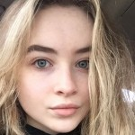 Sabrina Carpenter: Prelepa i bez trunke šminke!