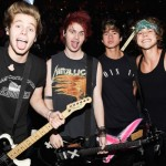 5 Seconds of Summer: Fan nam je poklonio pravu pravcatu zvezdu!