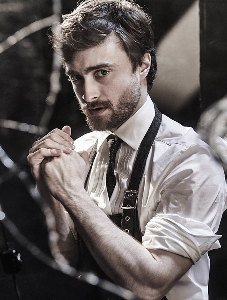 rs_634x838-151020082154-634.daniel-radcliffe-playboy-2.102015
