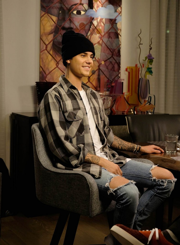 elvis-durans-exclusive-interview-with-justin-bieber-for-entertainment-tonight-02