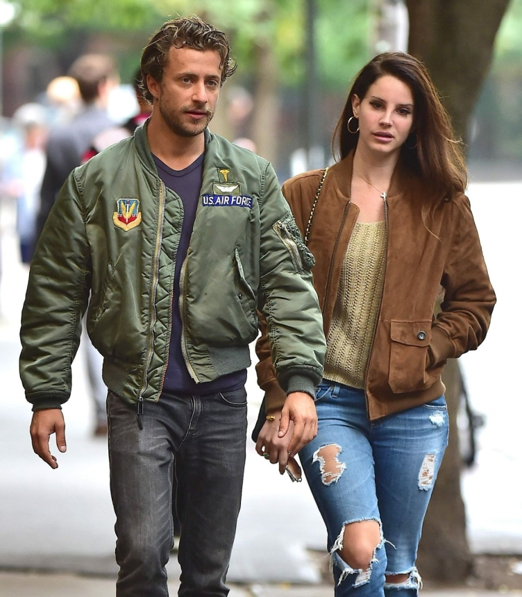 lana-del-rey-and-francesco-carrozzini-out-in-soho_5