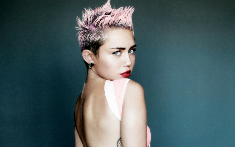 miley_cyrus_for_v_magazine-wide