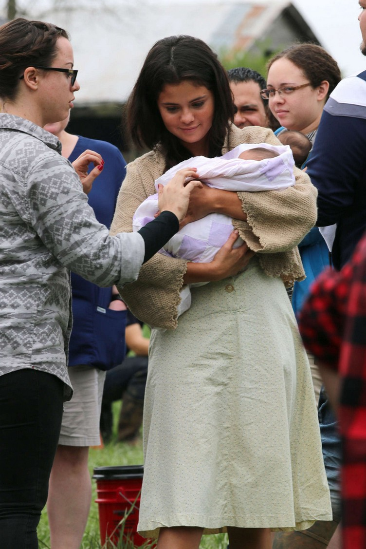 Selena-Gomez--On-In-Dubious-Battle-set--05