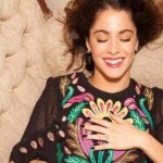 Donnin blog: Top pet outfita Martine Stoessel!